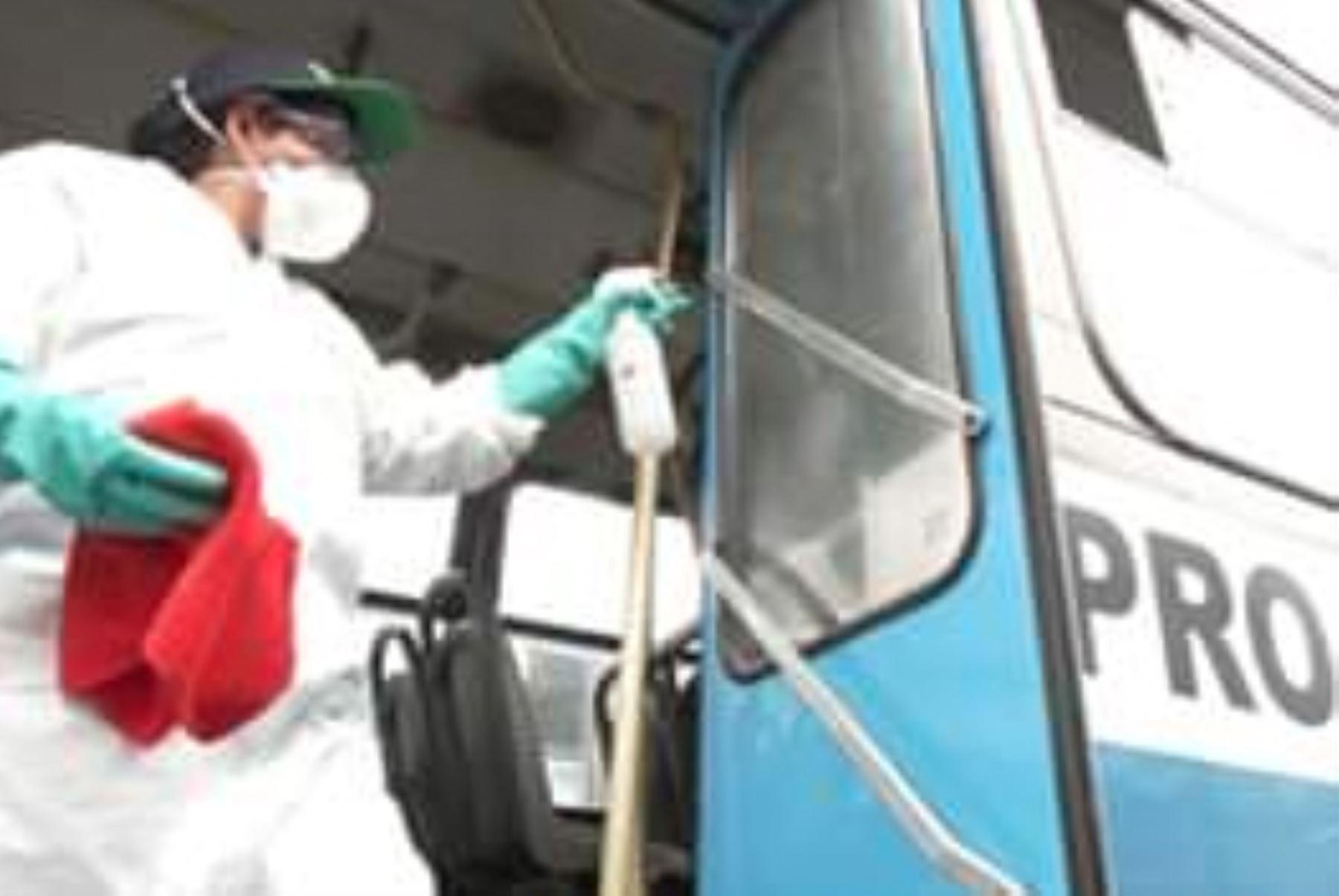 ATU implementó acciones para prevenir el Coranavirus19, en  el transporte  urbano de buses formales con  limpieza y desinfección siguiendo el protocolo aprobado por Digesa.Foto: ANDINA/ATU