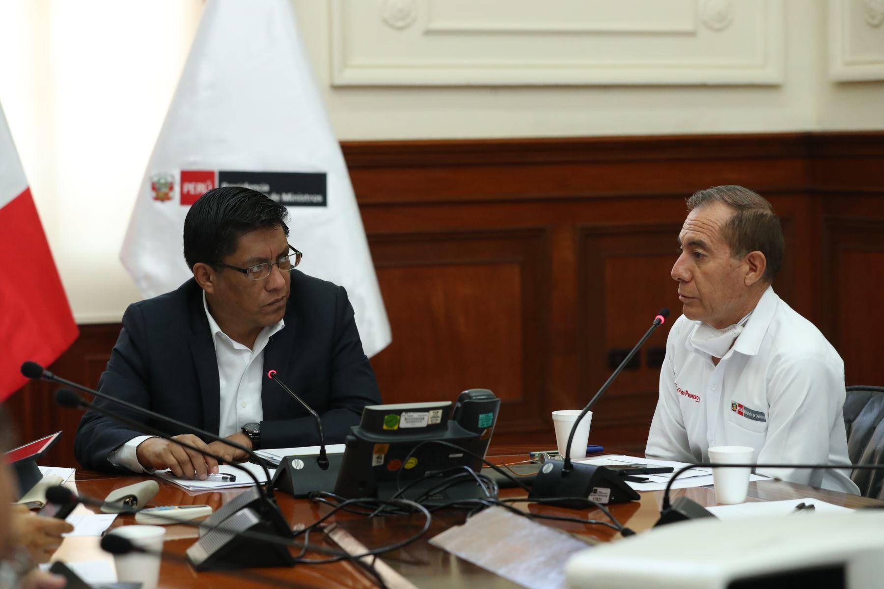 Ministro de defensa Walter Martos participó en la sesión de la Comisión Multisectorial Coronavirus.Foto: ANDINA/PCM