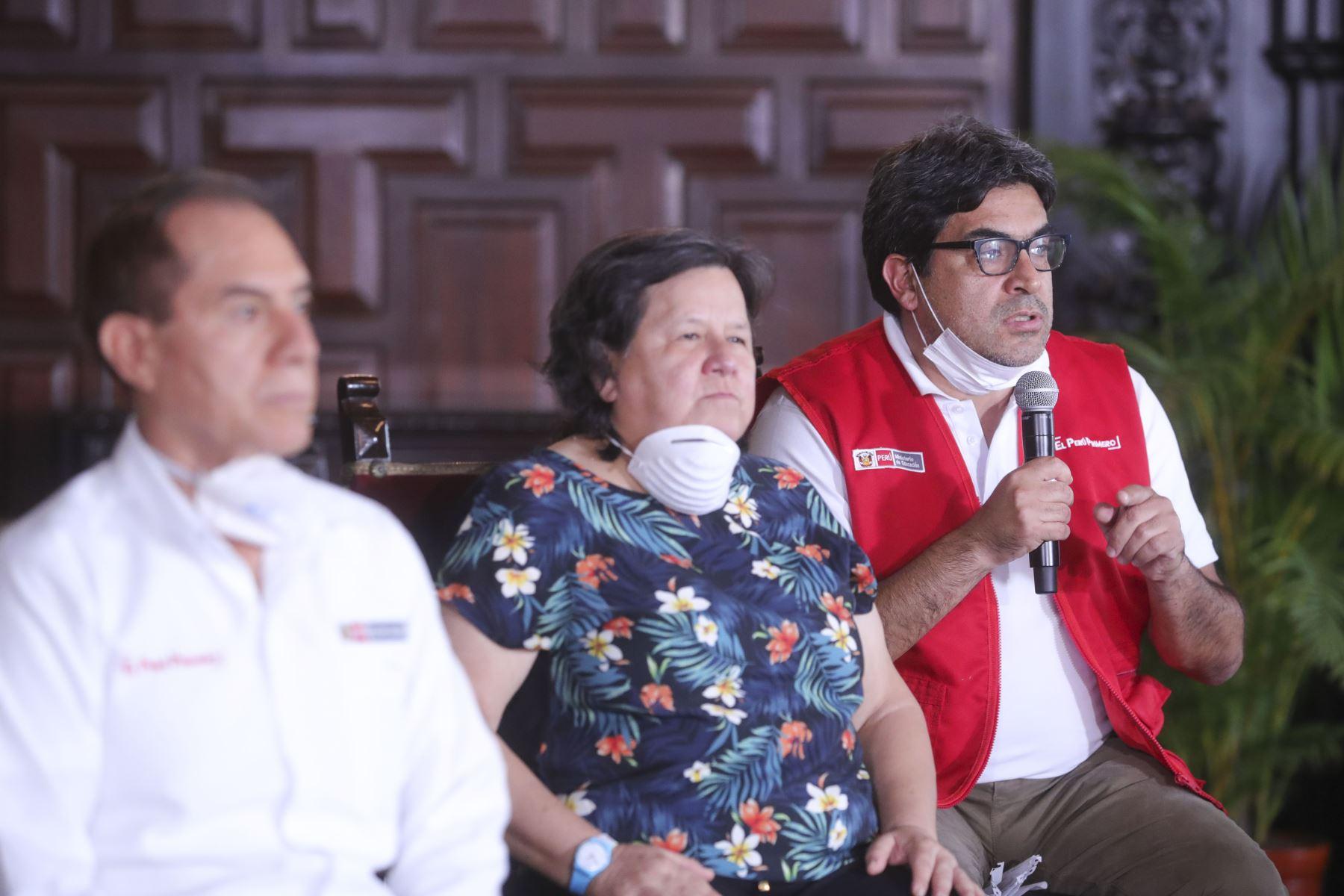 Ministro de Educación, Martín Benavides informa sobre las medidas y acciones que implementa el  sectorde educación  frente al  Estado de Emergencia Nacional. Foto:ANDINA/Prensa Presidencia