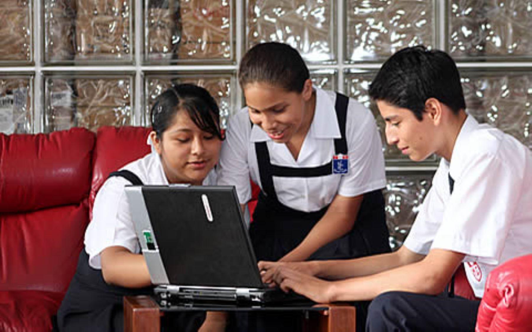 Alumnos de secundaria de colegios del Estado podrán aprender matemáticas de forma virtual