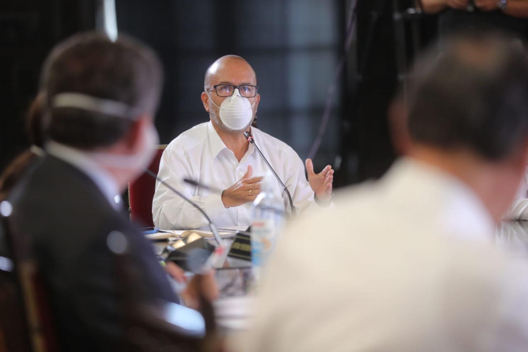 El Ministro de Salud Victor Zamora informó las medidas y acciones que está implementando su sector, frente al estado de emergencia nacional en el décimo día del estado de emergencia nacional. Foto: ANDINA/ Prensa Presidencia
