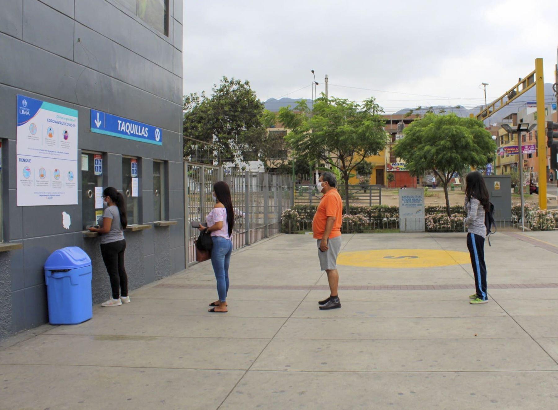 Municipalidad de Lima realiza acciones de prevención contra el covid-19 en estaciones del Metropolitano. Foto.ANDINA/MML