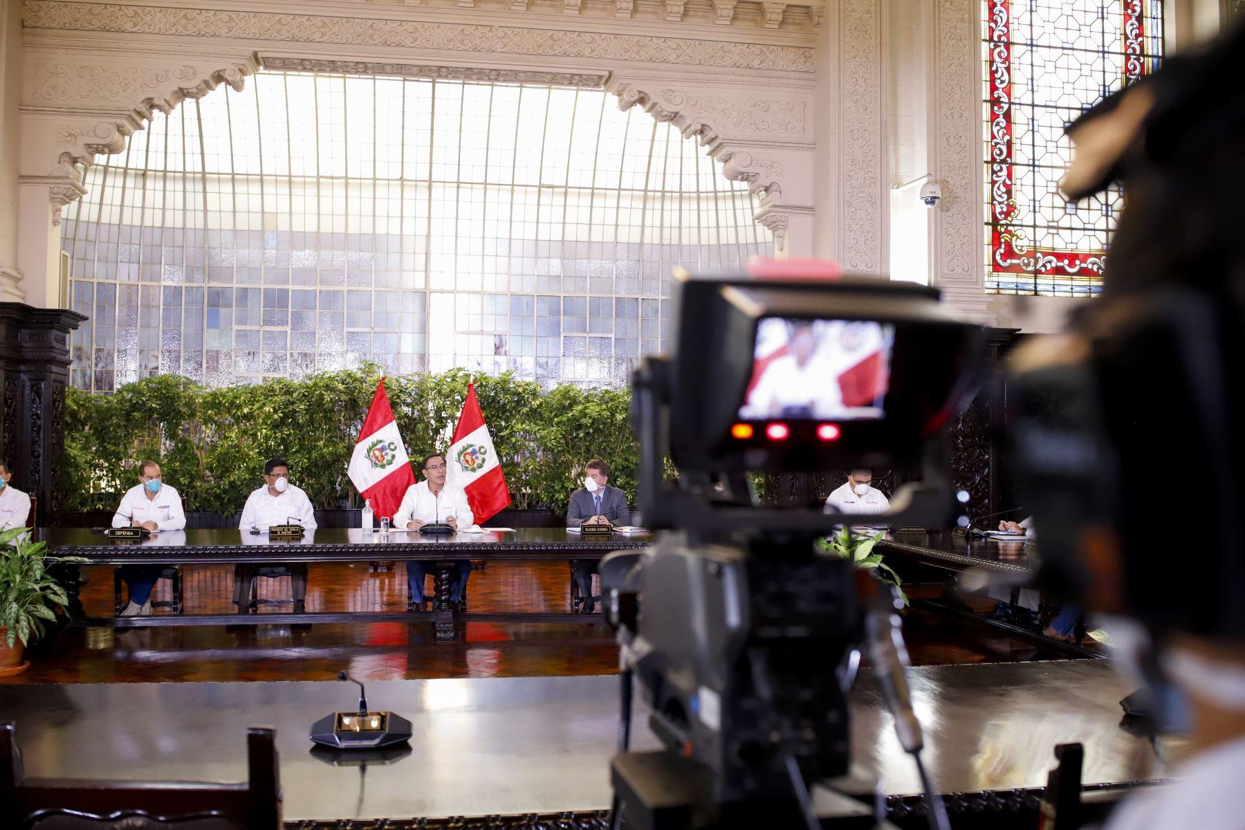 Presidente Vizcarra y ministros de Estado informan sobre las medidas y acciones que se implementan en el estado de emergencia nacional.  Foto: ANDINA/ Prensa Presidencia