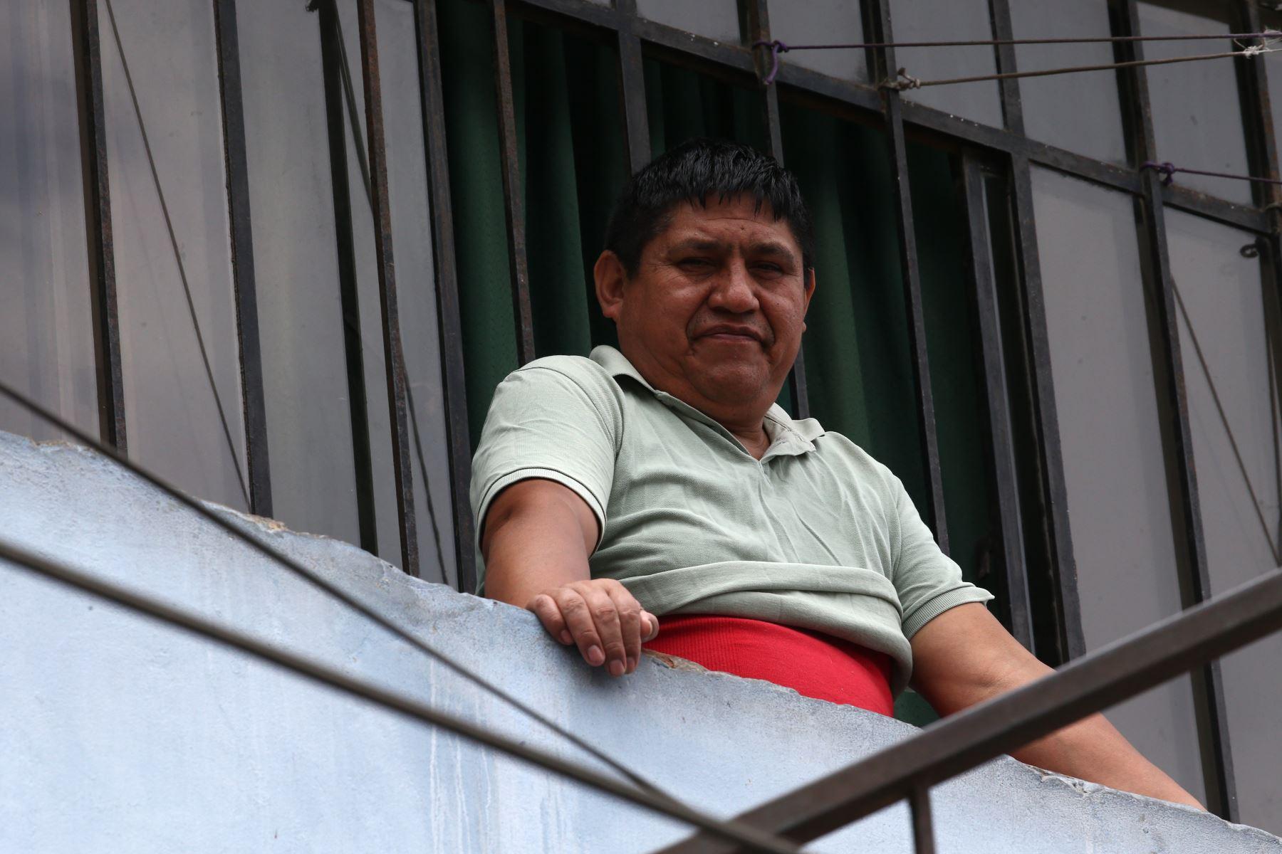 Pobladores del Cerro San Cristobal acatan el aislamiento social  durante el día 11 de Estado de Emergencia decretado por el Jefe de Estado en prevención del Covid-19. Foto: ANDINA/Vidal Tarqui