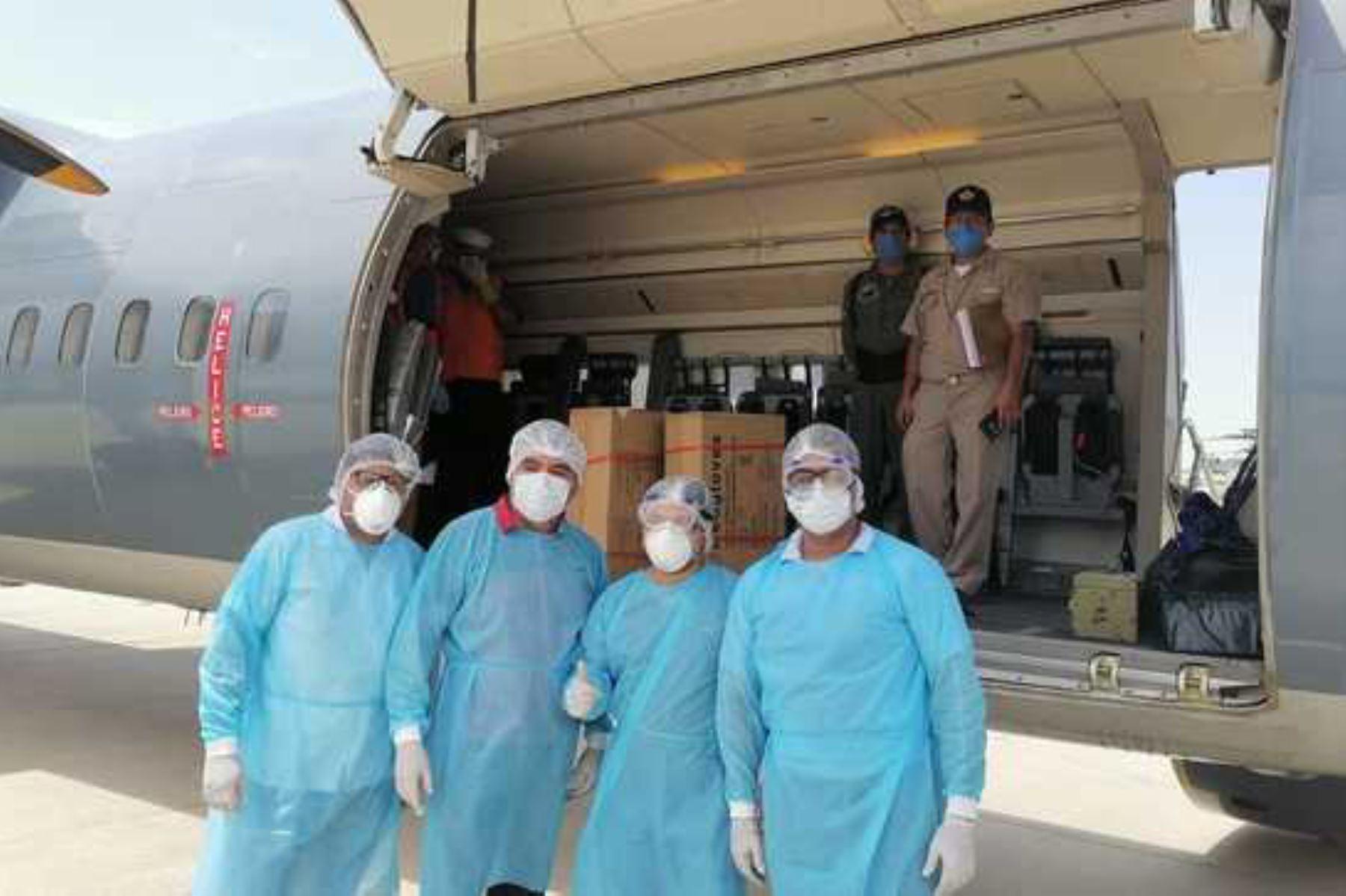 El ministro de Vivienda, Construcción y Saneamiento, Rodolfo Yáñez, gestionó el traslado de 4,500 kilos de implementos médicos a Piura.