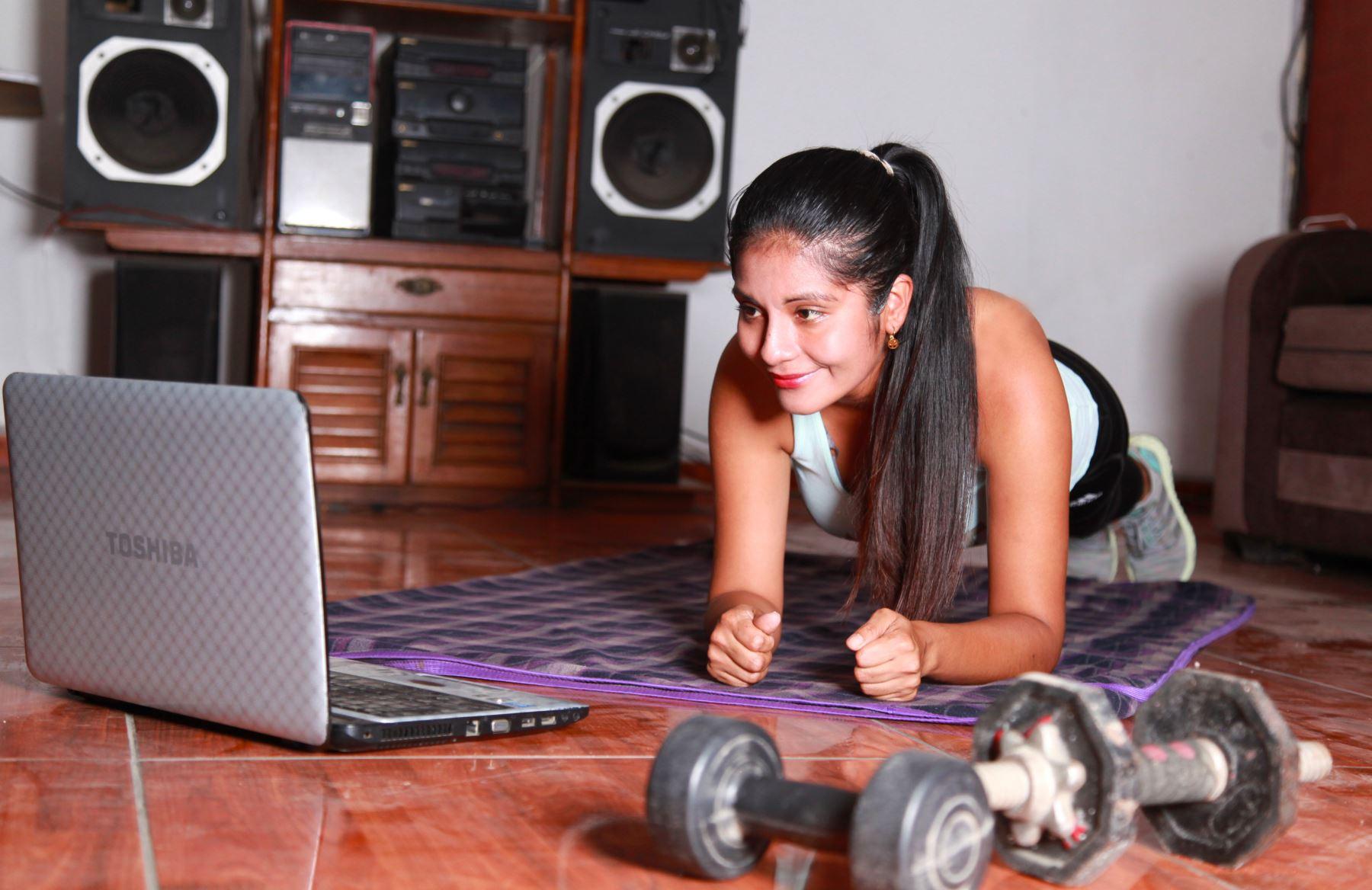 Durante el aislamiento domiciliario que se extenderá hasta el 12 de abril, recomiendan realizar actividades físicas durante 20 minutos cada día.