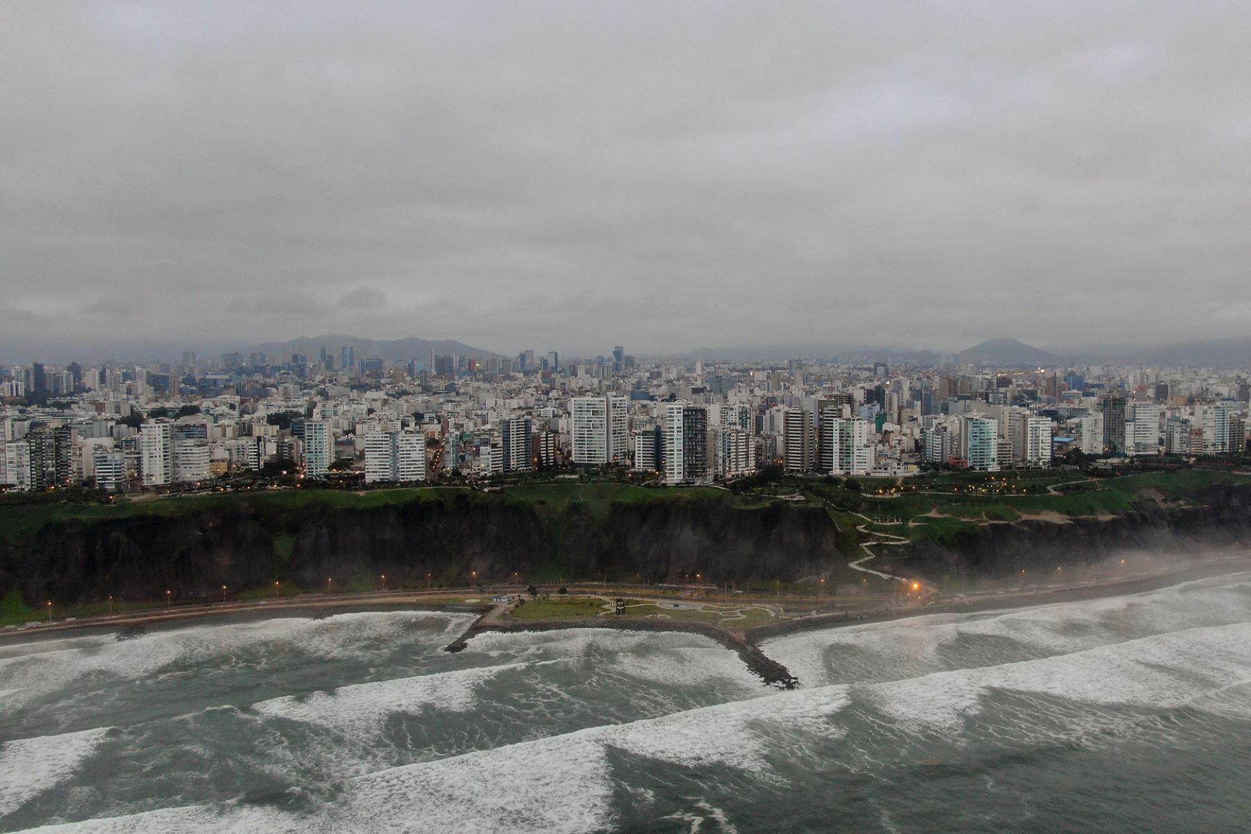 La ciudad en cuarentena es testigo de la libertad de la fauna marina en la Costa Verde. Foto: ANDINA/difusión.