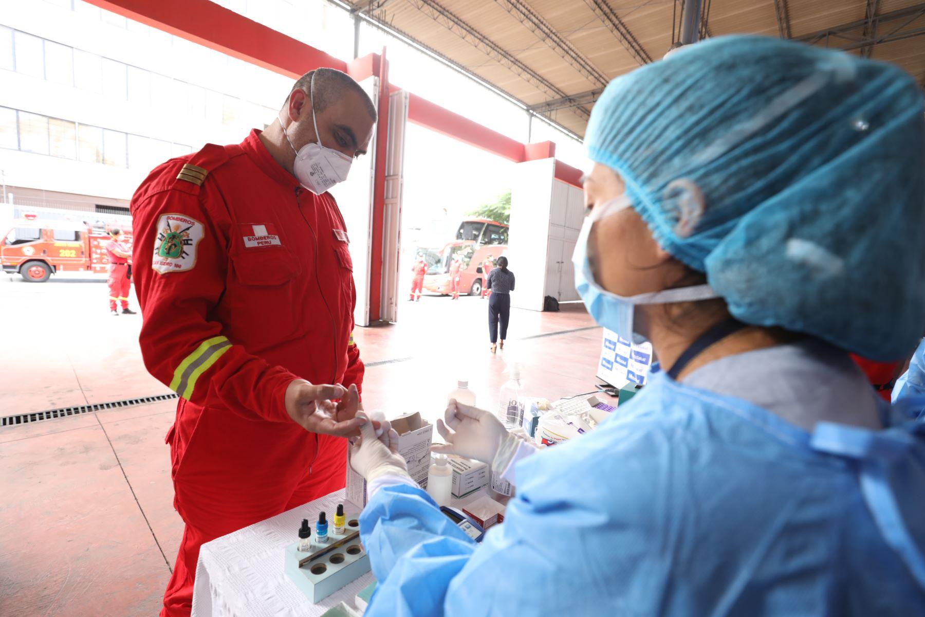 Cuerpo General de Bomberos Voluntarios del Perú participa de campaña de donación de sangre que impulsa EsSalud. Foto:EsSalud