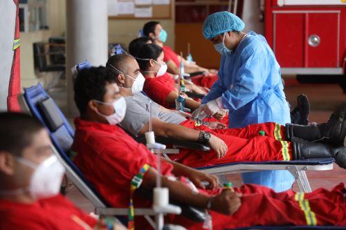 EsSalud continúa con campaña de donación de sangre ante Cuerpo General de Bomberos Voluntarios del Perú