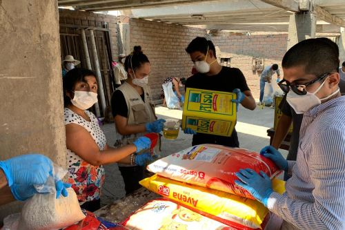 Municipalidad  de Lima entrega donativos a 30 familias vulnerables en SJL