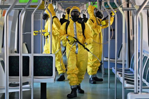 Covid-19: En el mundo dan batalla desinfectando espacios públicos