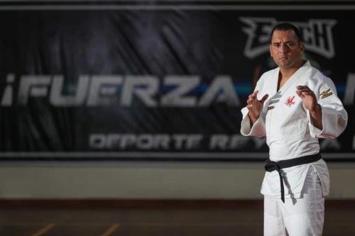 Frank Alvarado, el judoca capitán del Ejército Peruano que batalla contra el coronavirus