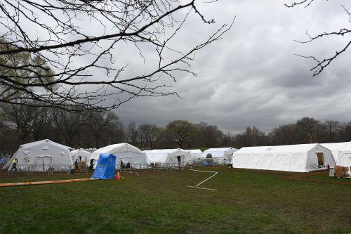 Coronavirus: así son los hospitales de campaña en el central park de Nueva York