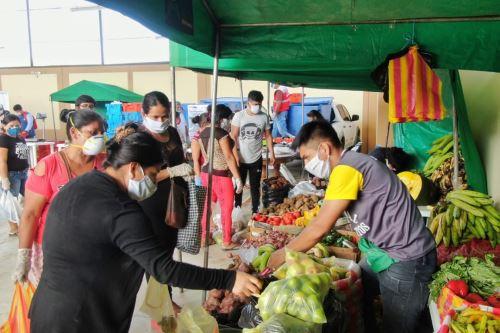 Ministro de Agricultura supervisa el abastecimiento de alimentos en Tumbes y Piura