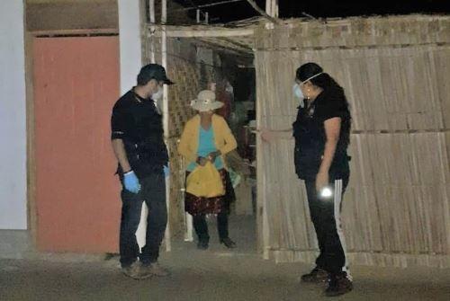 Fiscales del Distrito Fiscal del Santa entregaron canastas básicas a decenas de familias vulnerables de Chimbote y de Nuevo Chimbote. ANDINA/Difusión
