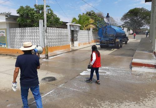 La Municipalidad Provincial de Sullana desinfectó calles y plazas de los distritos ubicados en su jurisdicción para evitar la propagación del coronavirus. ANDINA/Difusión