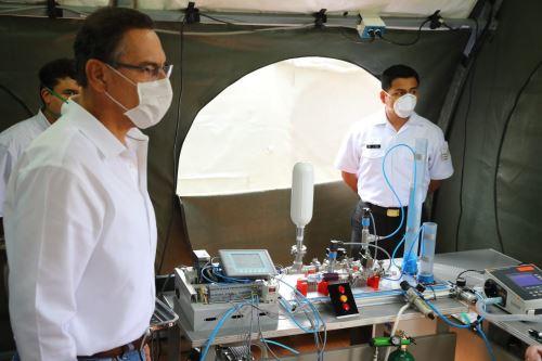 Presidente Vizcarra visita hospital de contingencia de la Marina