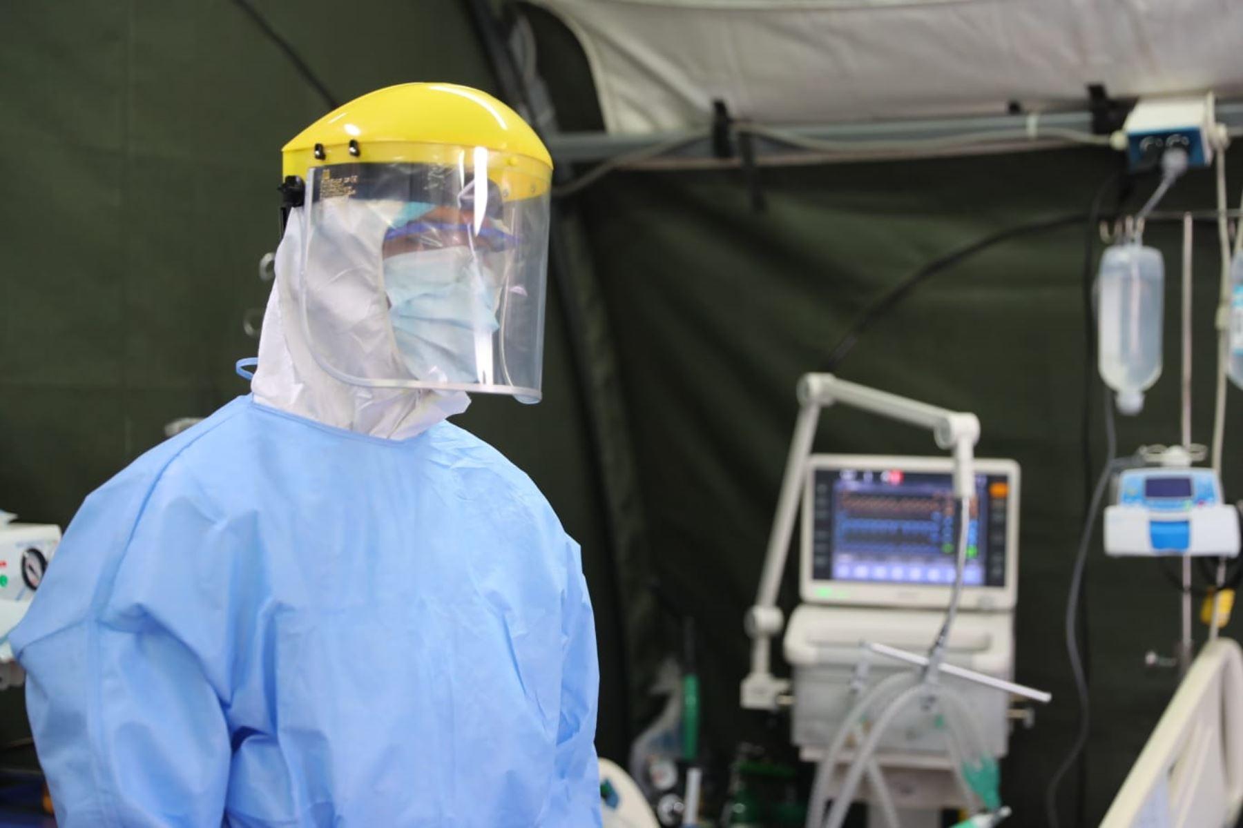 Presidente Vizcarra visita hospital de contingencia de la Marina y verifica la  producción de los respiradores made in Perú que cumplen los estándares de calidad. Foto: ANDINA/ Prensa Presidencia