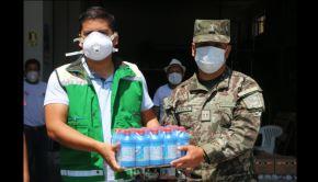 La Base del Ejército de Huaral recibió frazadas, agua embotellada y productos de desinfección, con la finalidad de que sean repartidos a los reservistas que cumplen labor de patrullaje y vigilancia en esta provincia, en el marco del estado de emergencia dispuesto por el Ejecutivo para evitar la propagación del coronavirus covid-19, informó el Gobierno Regional de Lima.
