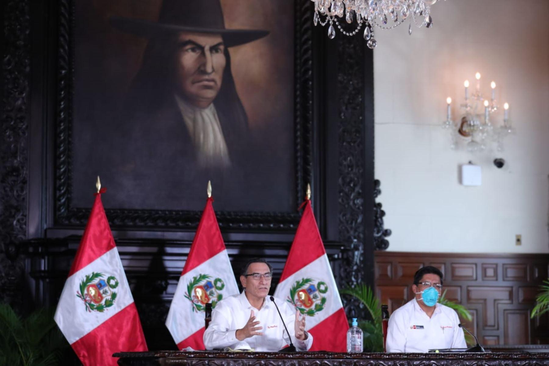 El presidente de la República, Martín Vizcarra, informa las medidas adoptadas por el Gobierno ante la emergencia nacional por el coronavirus. Foto: ANDINA/ Prensa Presidencia