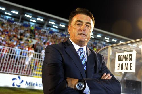 El técnico serbio Radomir Antic, que entrenó en España a Atlético, Real Madrid y Barcelona, murió este lunes a los 71 año