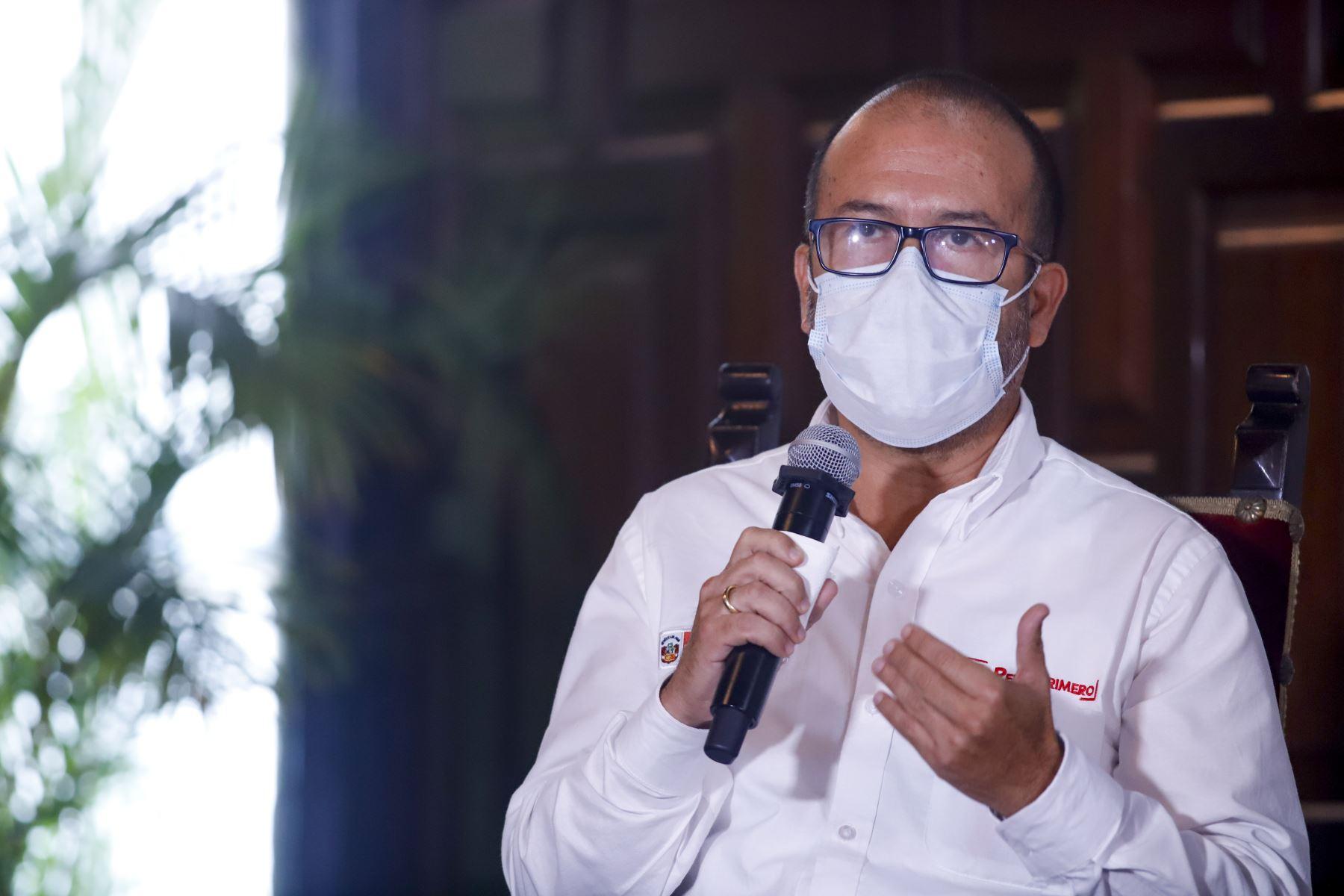 Ministro de Salud Víctor Zamora Mesía informa sobre medidas adoptadas por su sector, ante la emergencia nacional por el coronavirus. Foto: ANDINA/ Prensa Presidencia