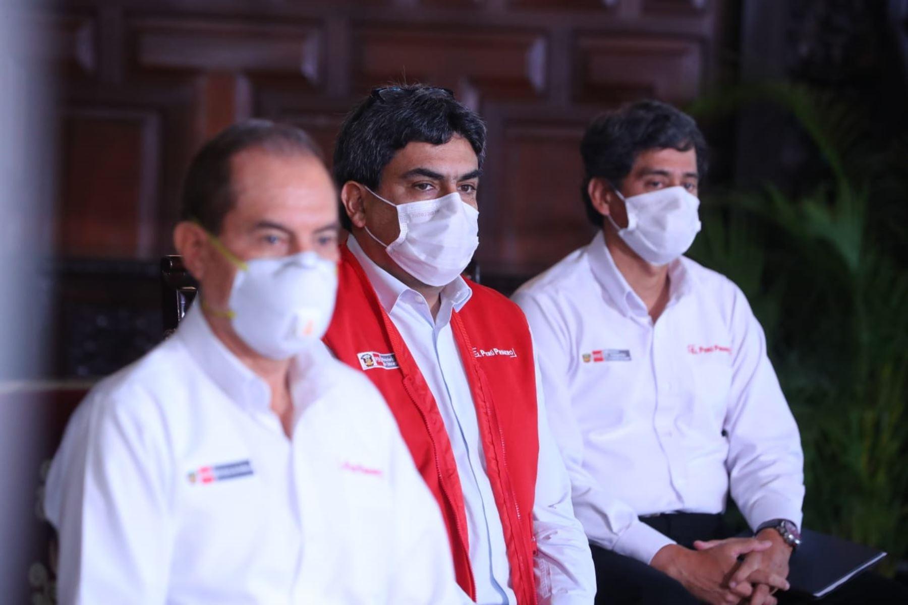 El presidente Martín Vizcarra y ministros de estado, informan sobre las medidas adoptadas por el Gobierno en el marco del estado de emergencia nacional por el coronavirus (covid-19). Foto: ANDINA/ Prensa Presidencia