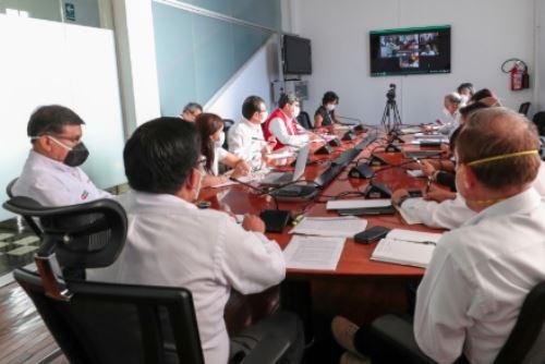 Jefe del Gabinete se reúne con directiva de la Asamblea Nacional de Gobiernos Regionales