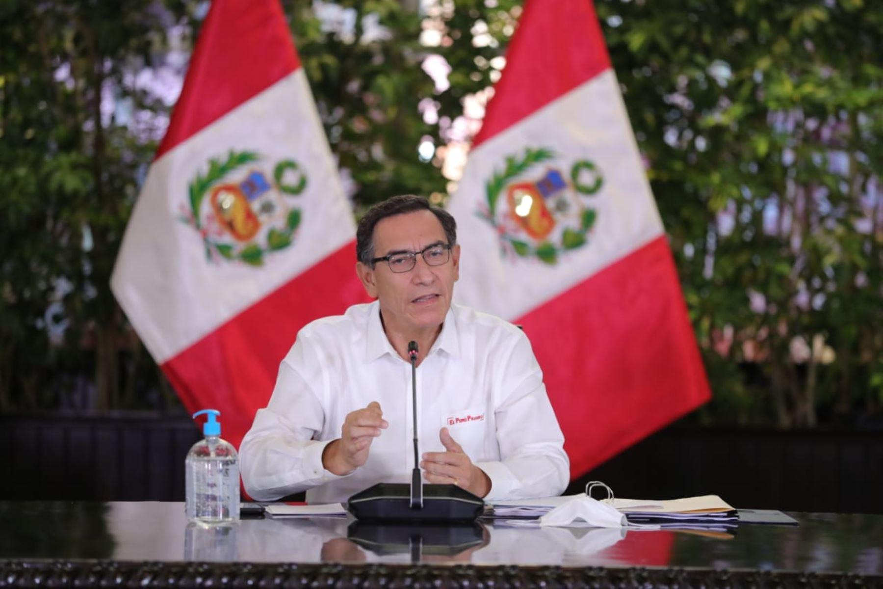 El Presidente de la República, Martín Vizcarra, informa las medidas adoptadas por el Gobierno frente al coronavirus. Foto: ANDINA/Prensa Presidencia