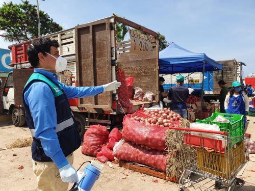 Coronavirus: Mercado móvil con cabina de desinfección