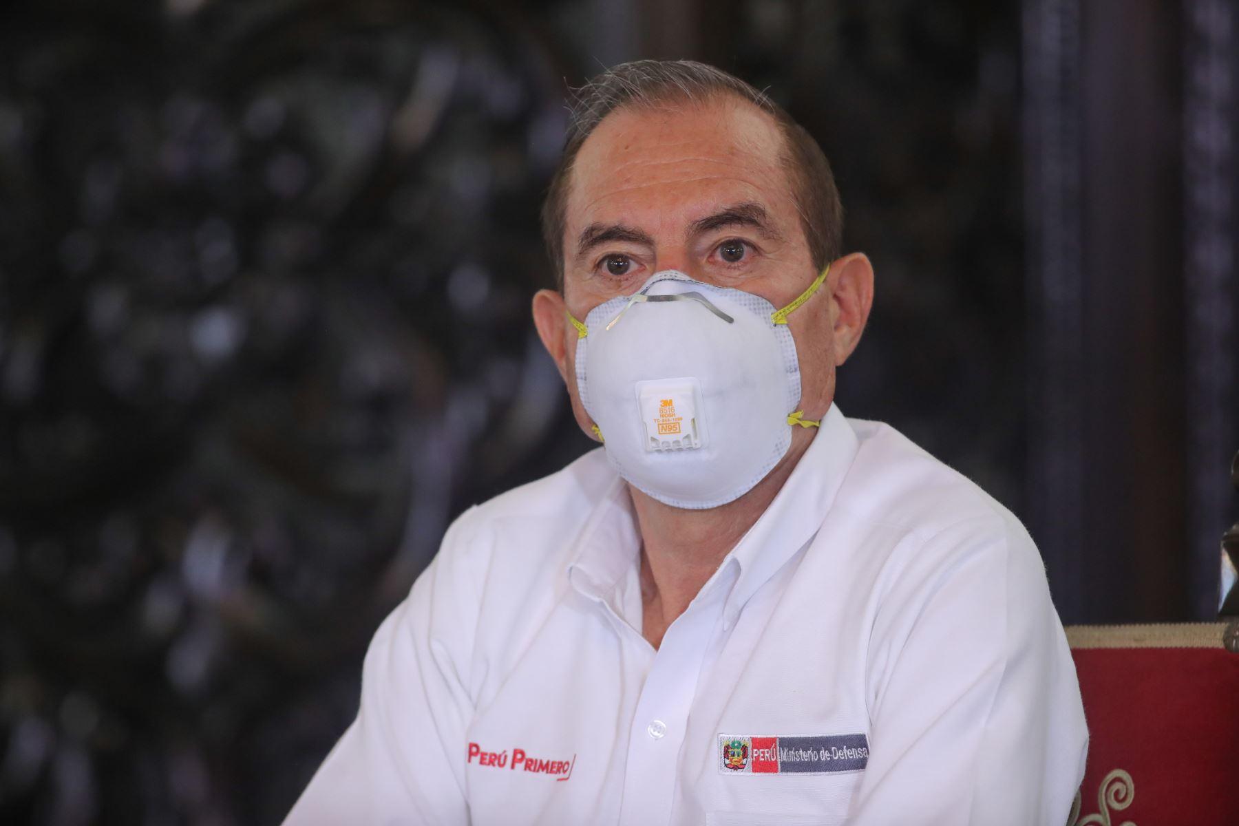 Ministro de Defensa,Walter Martos informa sobre diferentes medidas adoptadas por su sector, en el marco del estado de emergencia nacional por el coronavirus . Foto: ANDINA/ Prensa Presidencia