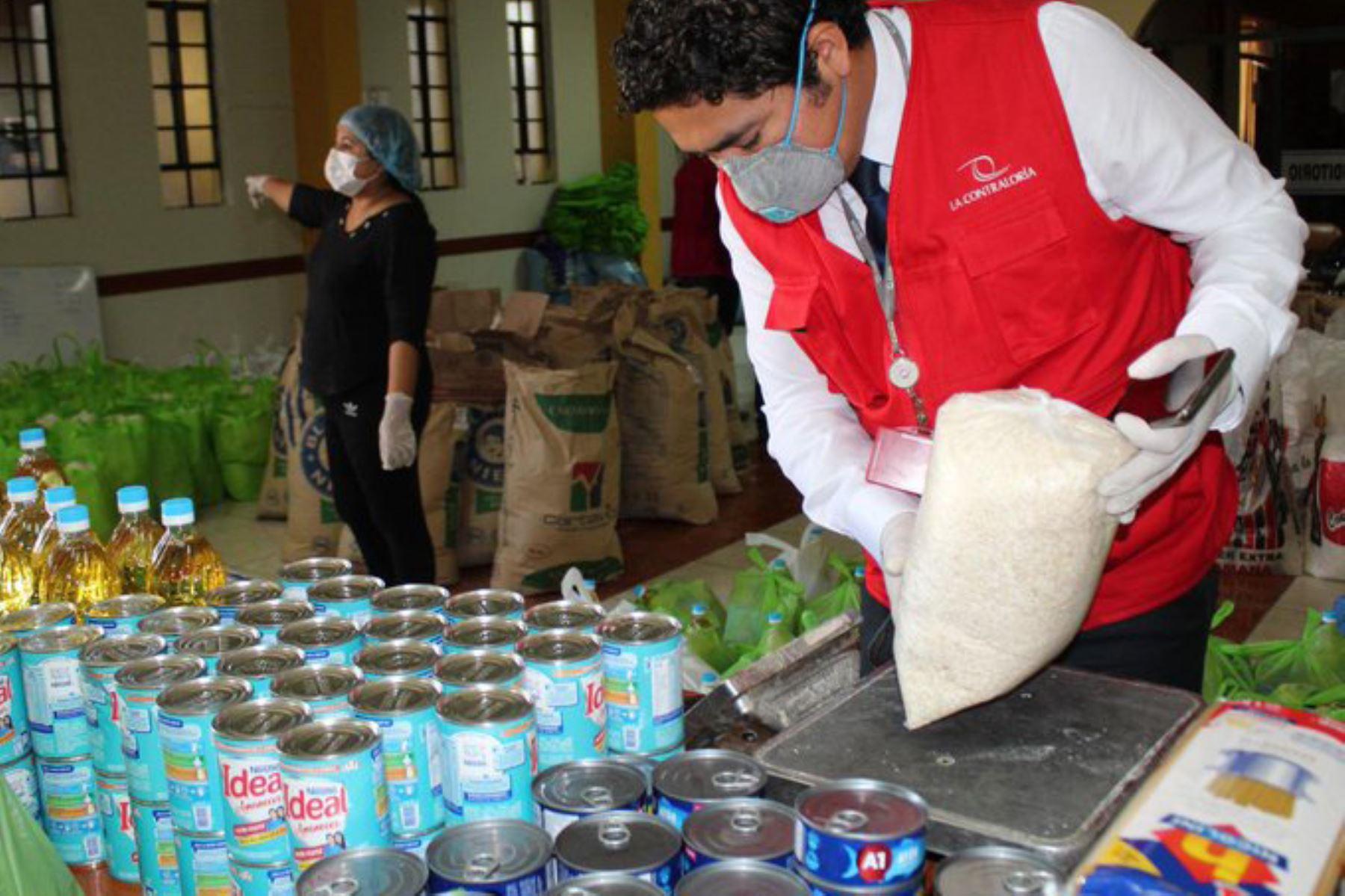 Auditores llegaron a las municipalidades rurales de Calana y Pachia en Tacna para verificar la calidad de los productos incluidos en las canastas de víveres a familias vulnerables COVID19 durante el  Mega Operativo Emergencia sanitaria.  Foto:ANDINA/Difusión