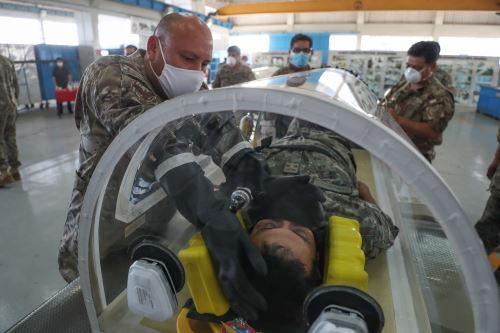 Coronavirus: Fuerza Aérea fabrica cámara de aislamiento