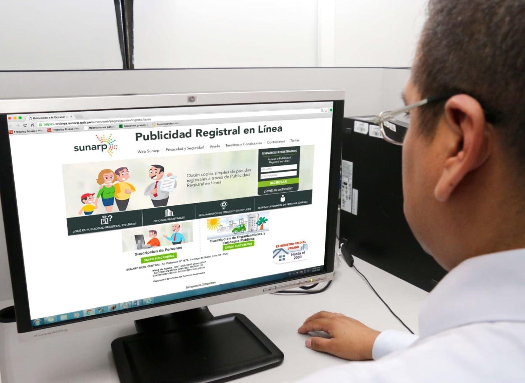 Usuarios tramitaron sus certificados sin salir de su casa a través del Servicio de Publicidad Registral en Línea (SPRL). Foto: Sunarp