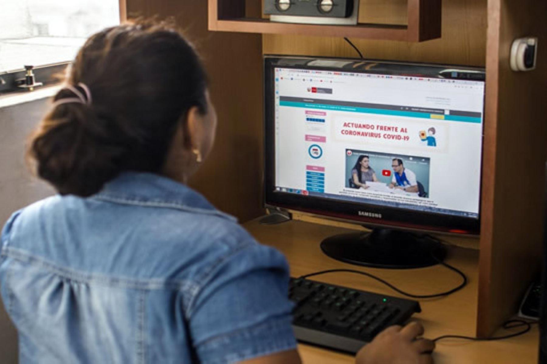 La Derrama Magisterial ofrece capacitación virtual a docentes para que fortalezcan sus conocimientos en este coyuntura de emergencia nacional. Así se suma al programa Aprendo en casa del Minedu.ANDINA/Difusión