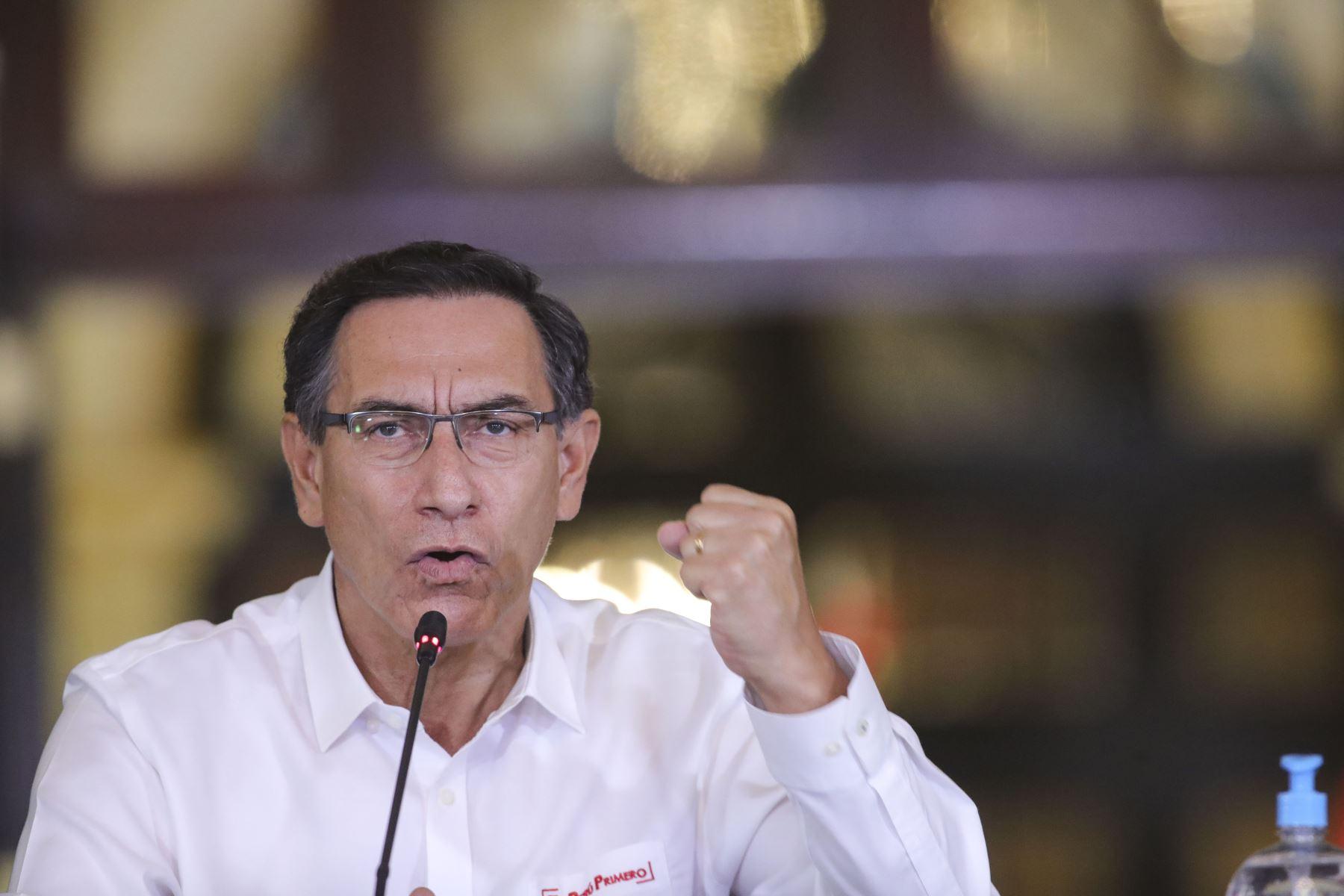 El presidente de la República, Martín Vizcarra, informa los avances de las medidas adoptadas en el marco del estado de emergencia nacional por el coronavirus (covid-19). Foto: ANDINA/Prensa Presidencia