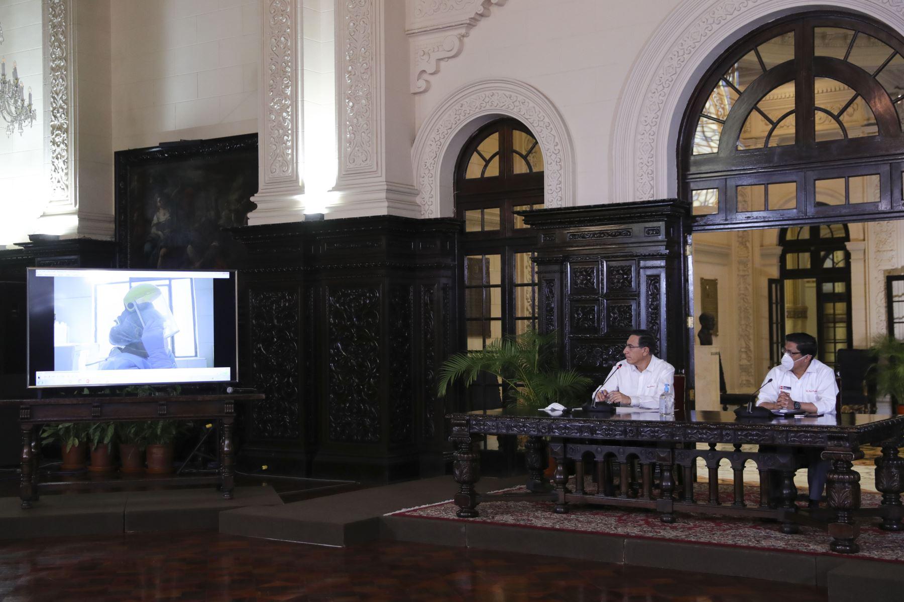 El presidente de la República, Martín Vizcarra y el presidente del Consejo de Ministros, Vicente Zeballos informan los avances de las medidas adoptadas en el marco del estado de emergencia nacional por el coronavirus (covid-19). Foto:ANDINA/ Prensa Presidencia