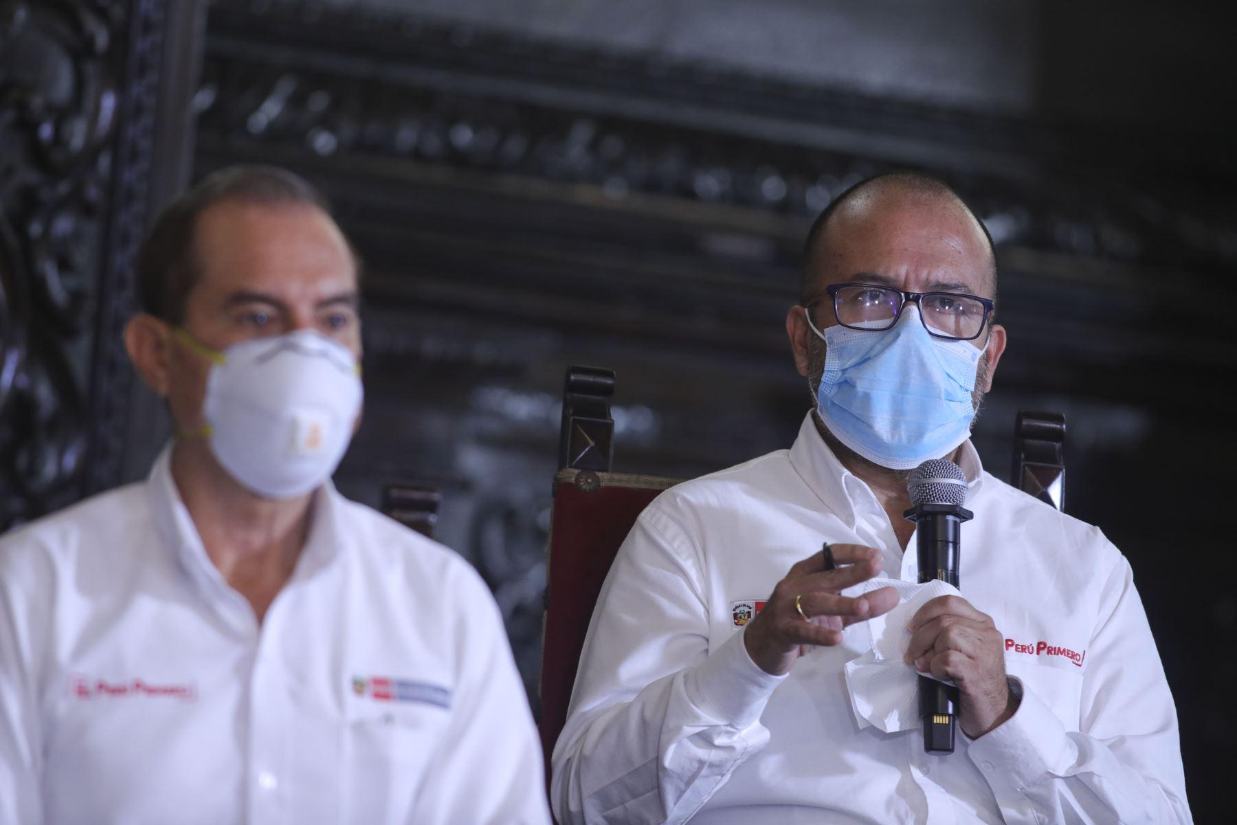 El ministro de Salud, Víctor Zamora, informa los avances de las medidas adoptadas en el marco del estado de emergencia nacional por el coronavirus (covid-19).  Foto: ANDINA/Prensa Presidencia