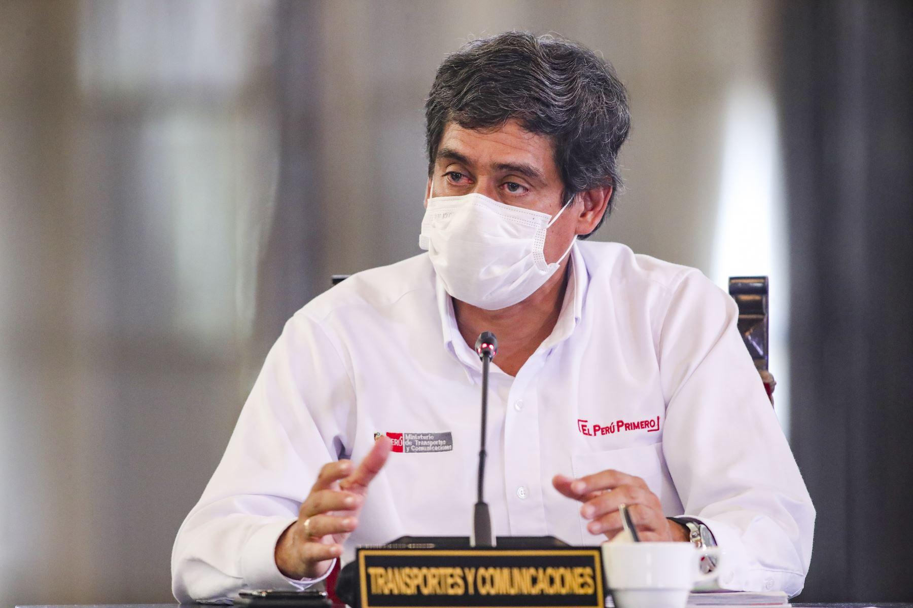 Ministro de Transportes y Comunicaciones, Carlos Lozada informa, sobre acciones de su sector por las medidas adoptadas por el estado de emergencia nacional decretado para contener el avance del coronavirus.  Foto: ANDINA/Prensa Presidencia