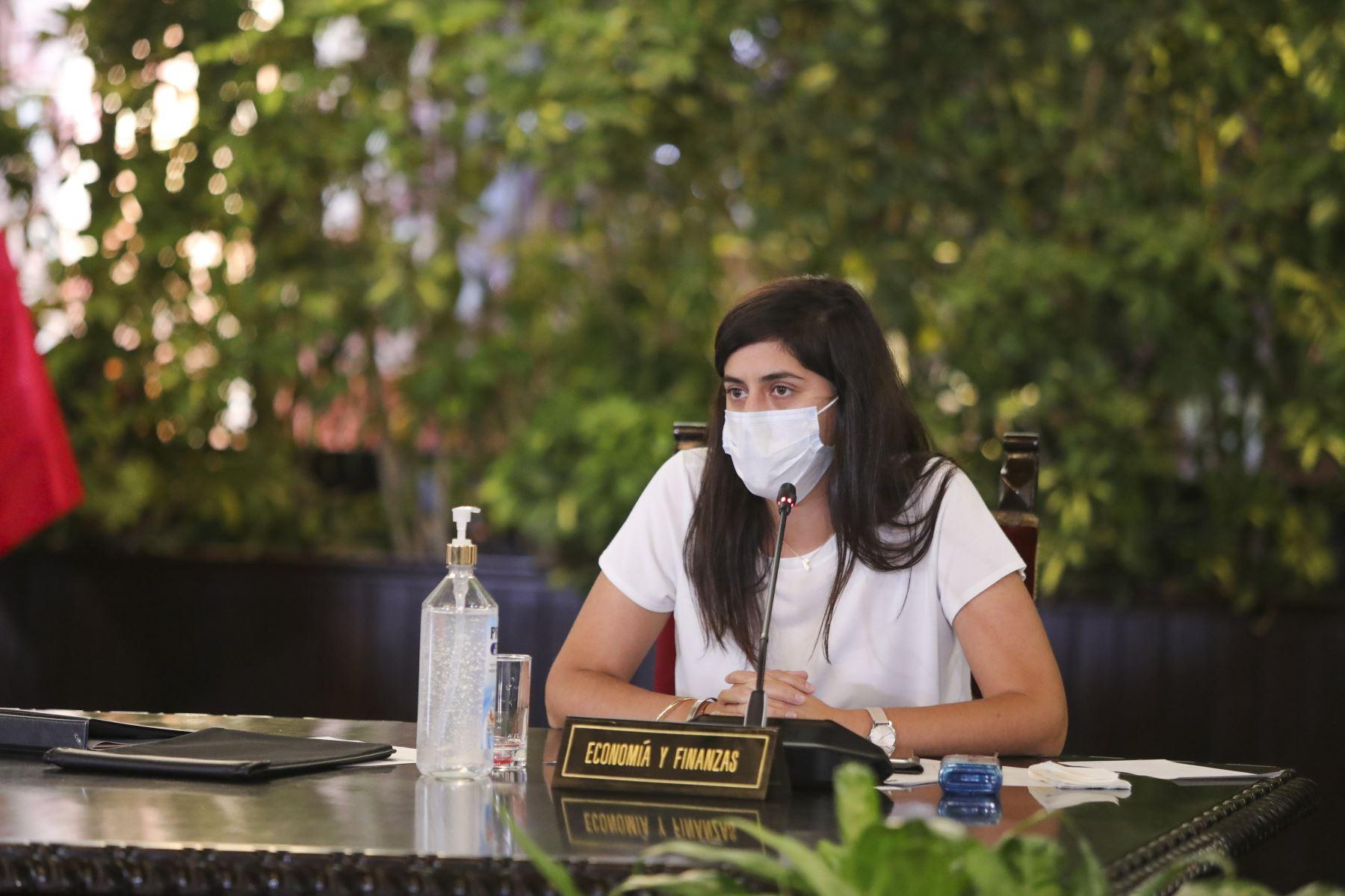 Ministro de Economía y Finanzas, María Antonieta Alva informa, sobre acciones de su sector por las medidas adoptadas por el estado de emergencia nacional decretado para contener el avance del coronavirus.  Foto: ANDINA/Prensa Presidencia