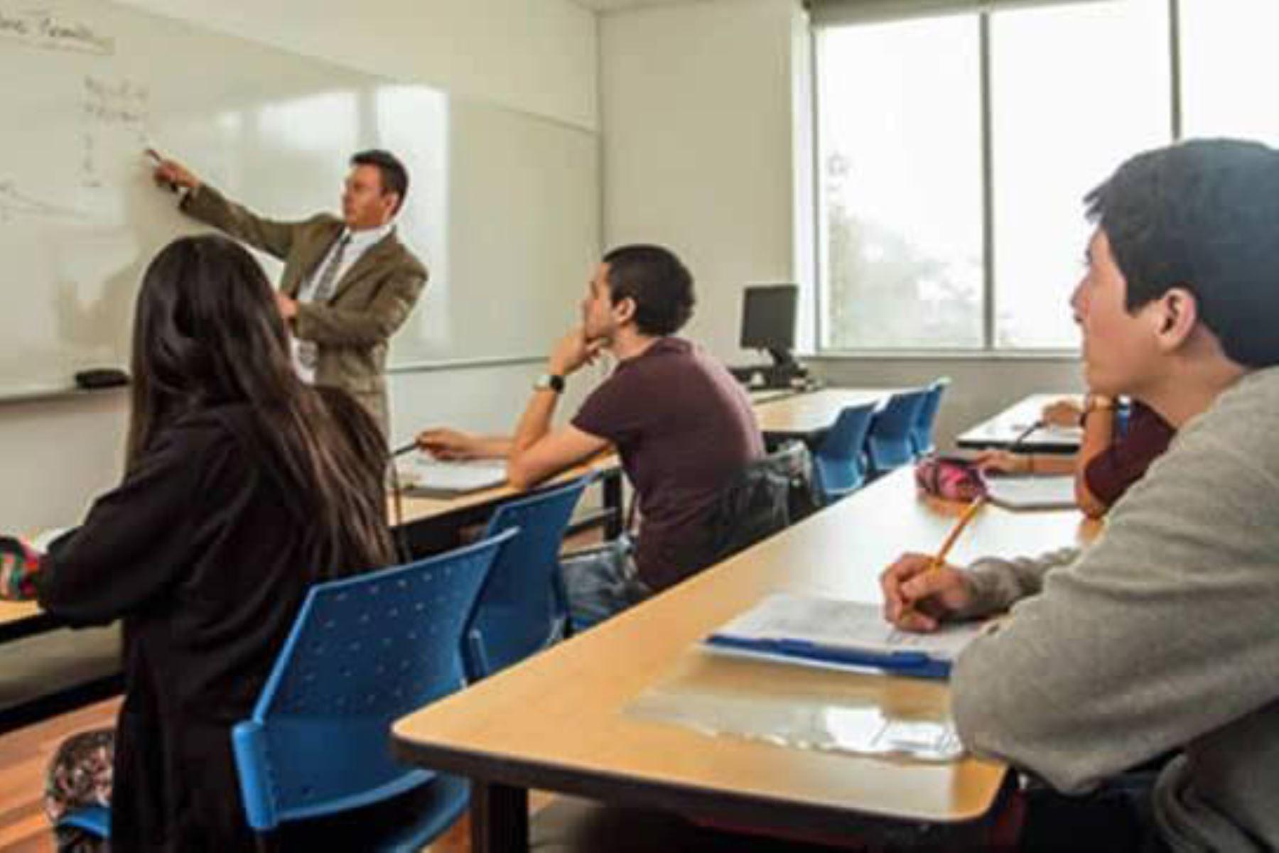Reducción del 50% en pensiones de institutos y universidades, plantea UPP    Noticias   Agencia Peruana de Noticias Andina