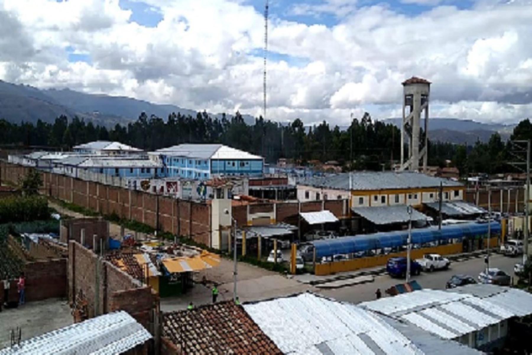 Autoridades del Inpe controlan motín en el penal de Huancayo y no hay reos heridos. Foto: Pedro Tinoco.