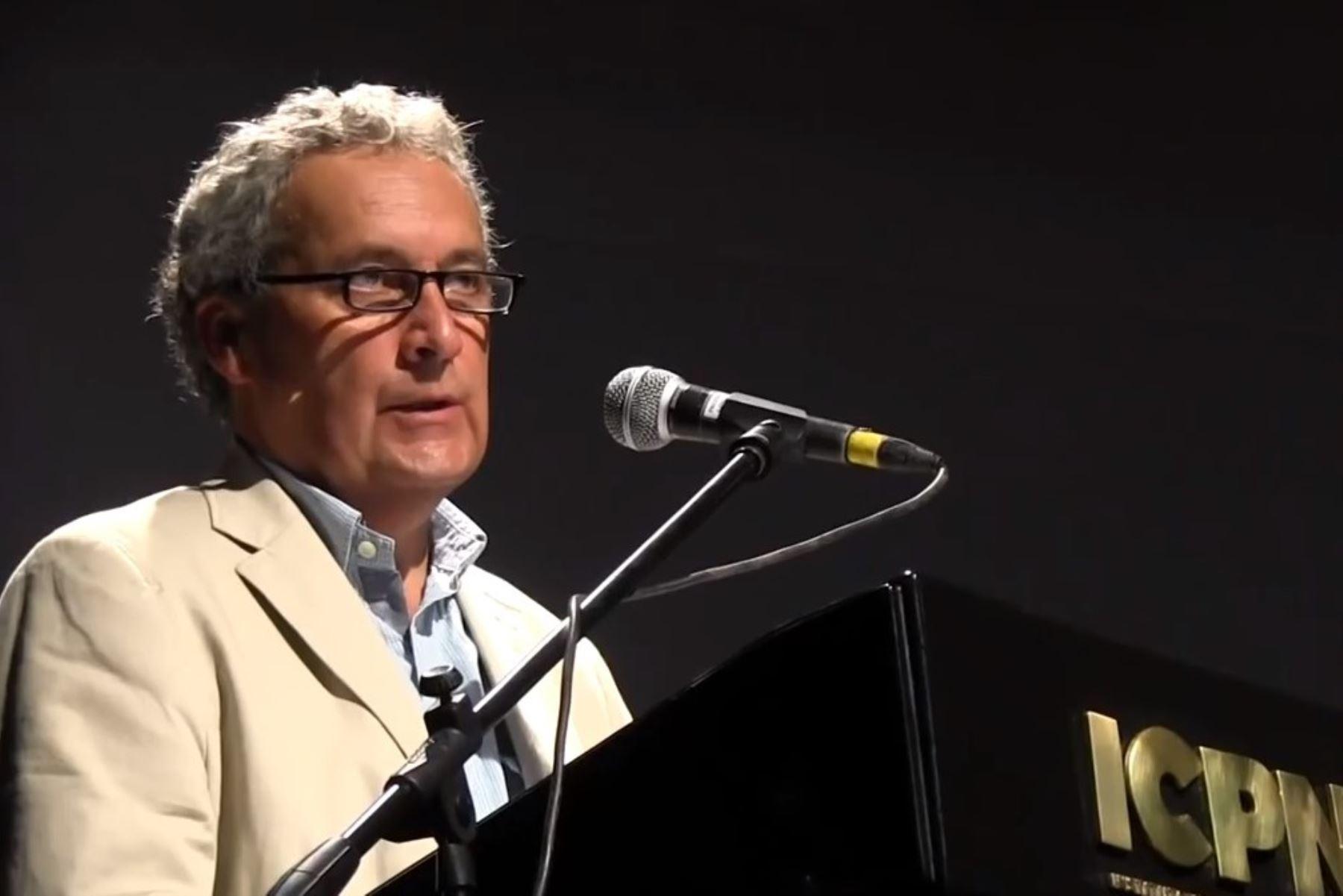 Filósofo Miguel Giusti.