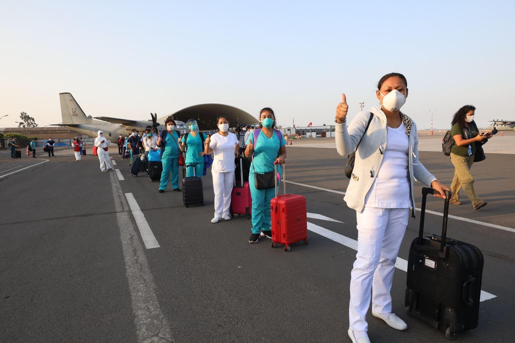 Un equipo, conformado por 51 médicos, enfermeras y técnicos de enfermería, viajó a Loreto para reforzar atención a pacientes covid-19. ANDINA/Difusión
