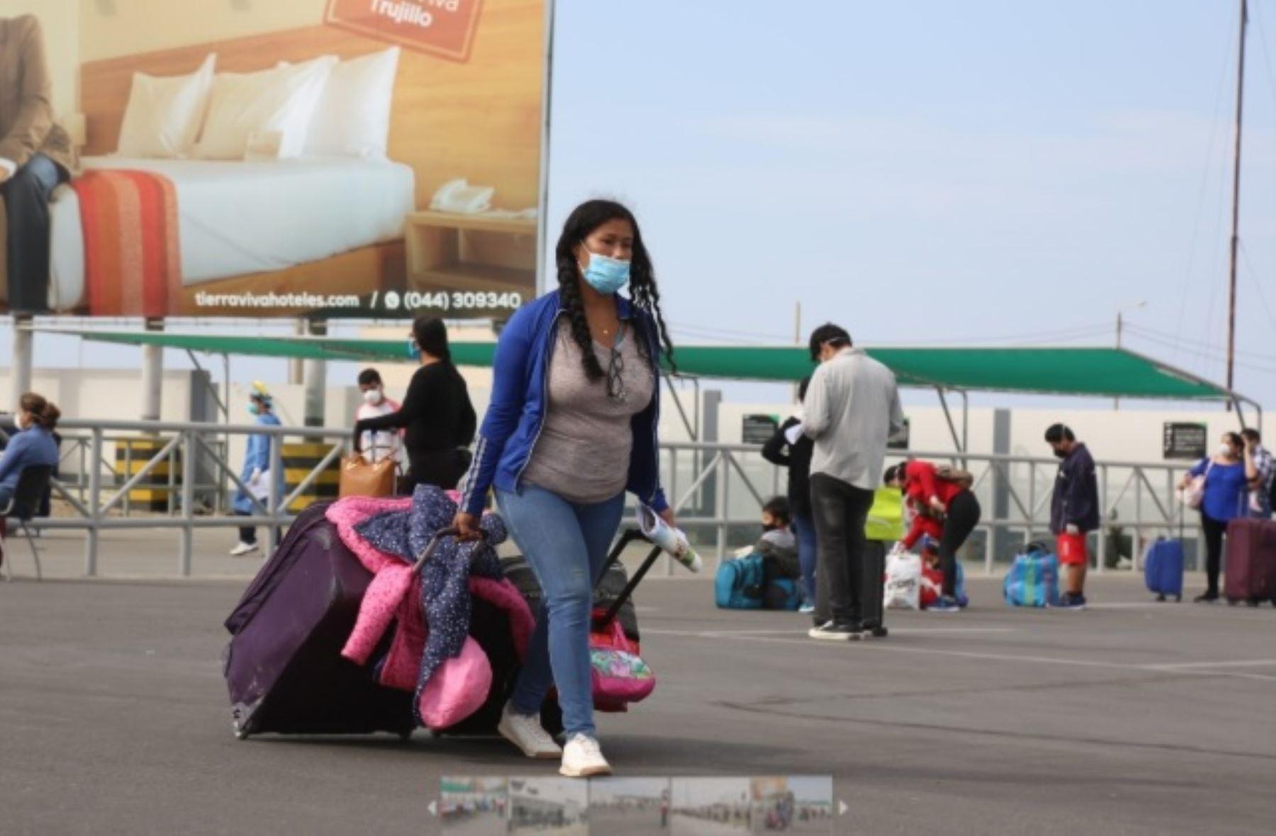 Traslado humanitario: regresan a región La Libertad retornantes desde Lima y viceversa