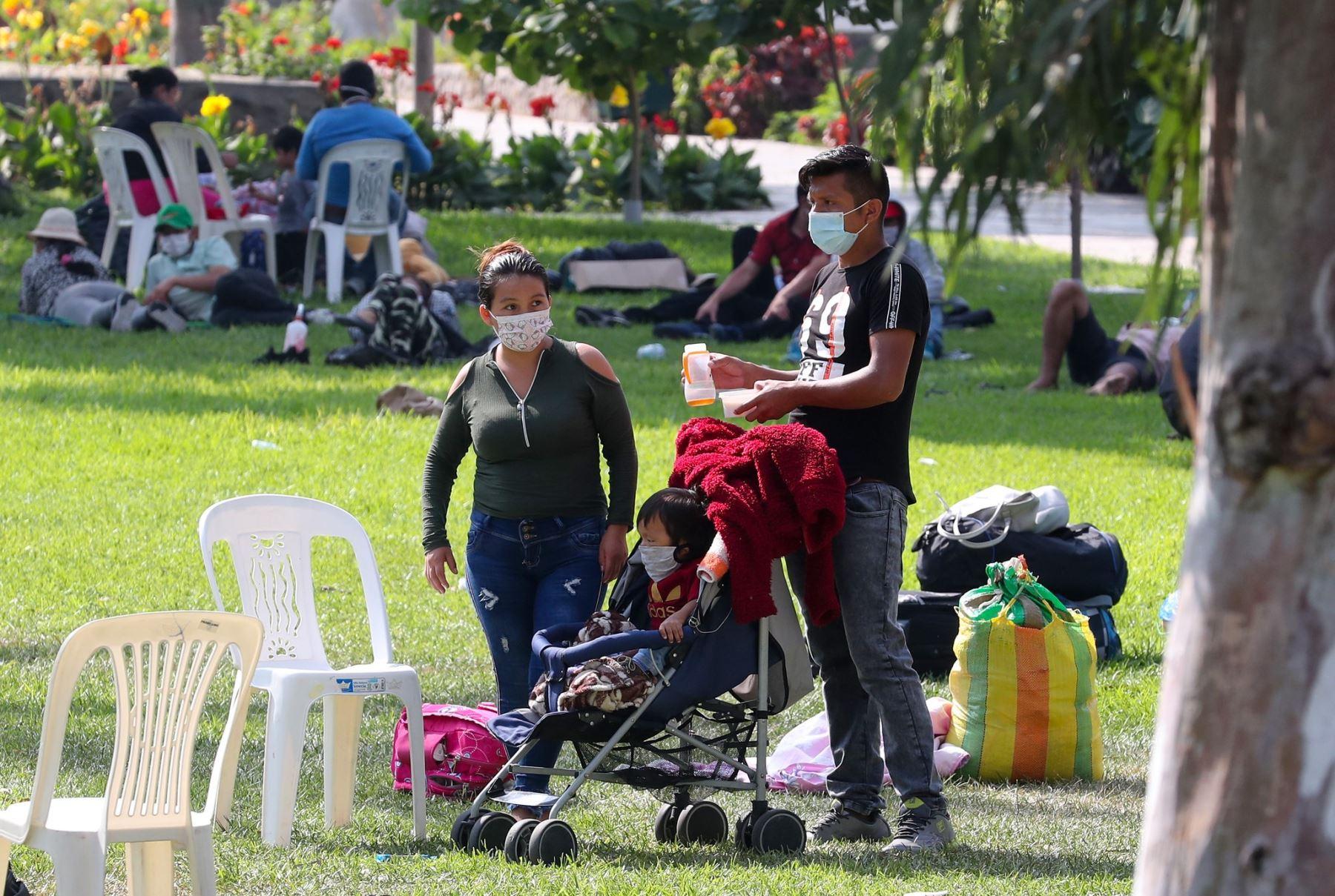 Más de 350 personas ingresaron ayer al centro recreacional Huampaní para mantener la cuarentena obligatoria de dos semanas antes de retornar a sus regiones de origen. ANDINA/Difusión