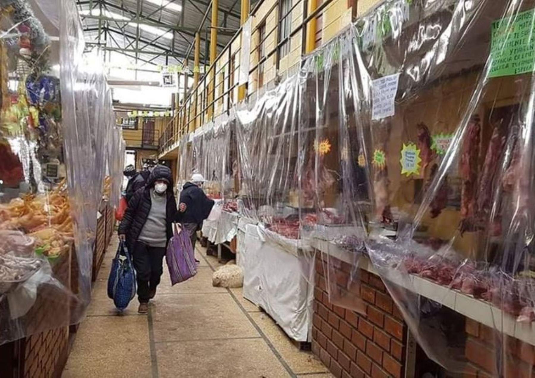 Coronavirus: así se protegen los comerciantes de mercados de Pasco ...