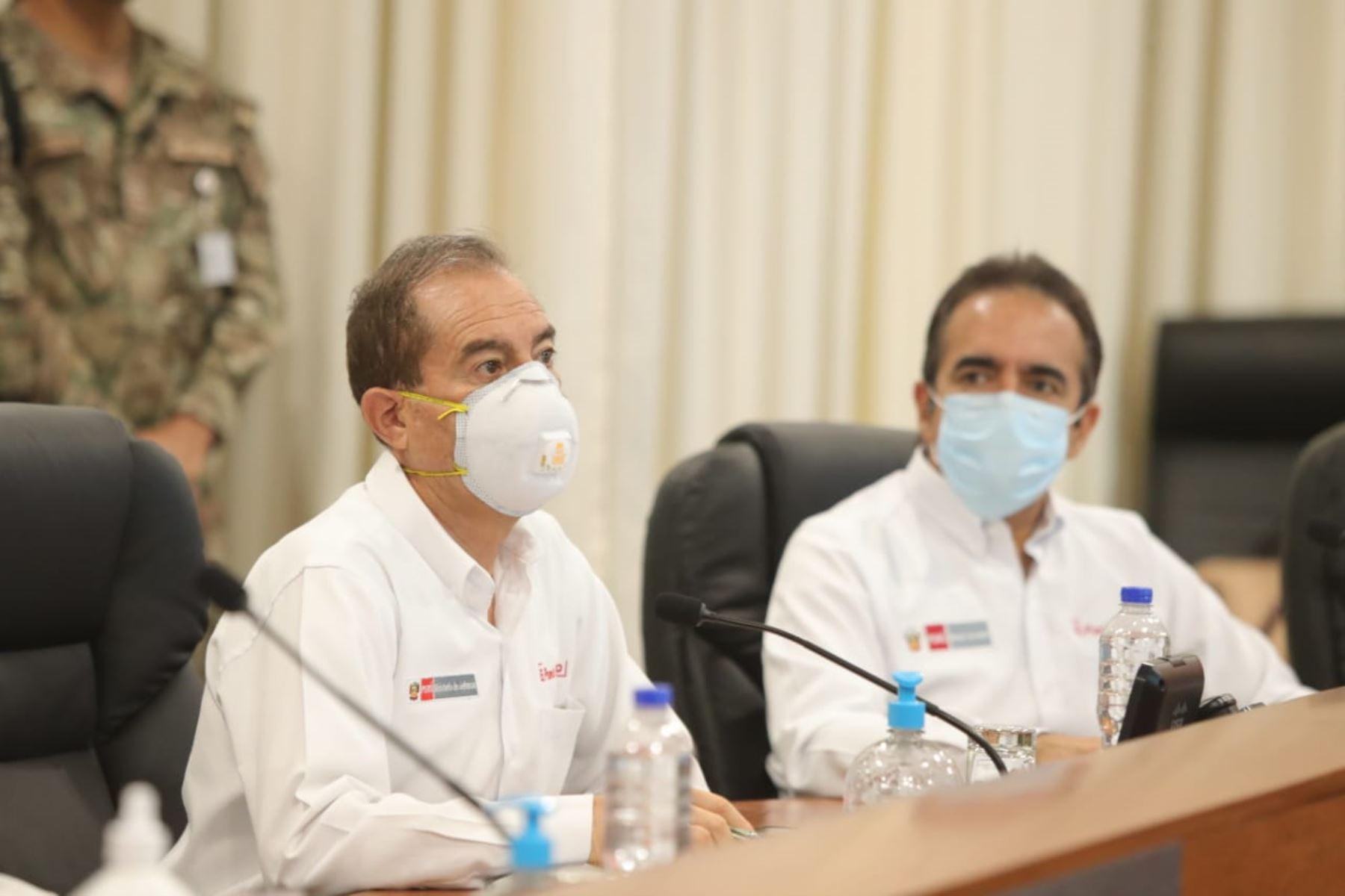 Ministro de Defensa, Walter Martos, participa en la sesión 128 del foro del Acuerdo Nacional, en la cual se aborda el plan de reanudación de actividades económicas y la situación de la pandemia del coronavirus (covid-19) en el país.Foto: ANDINA/Prensa Presidencia