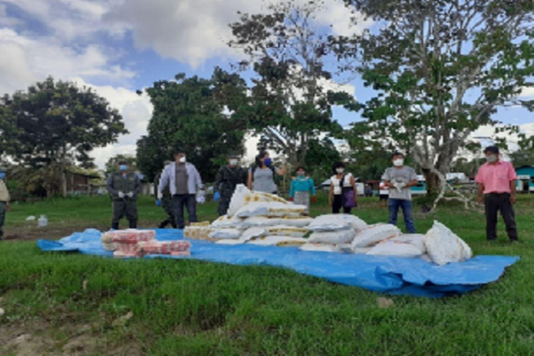 Indígenas de los pueblos isconahua y shipibo-conibo, en la región Ucayali, recibieron víveres de parte del Sernanp.