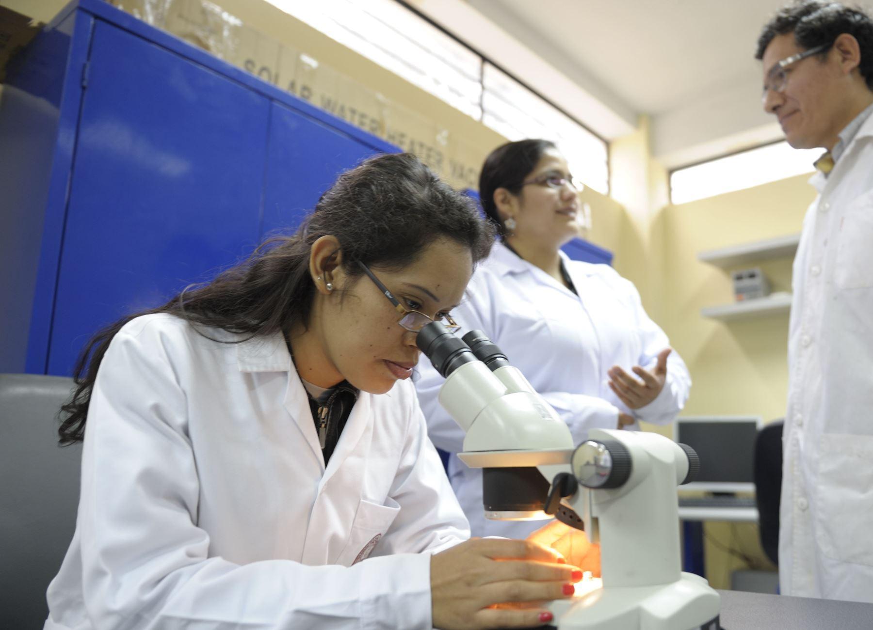 Telas con nanoparticulas de cobre y zinc protegen del COVID-19